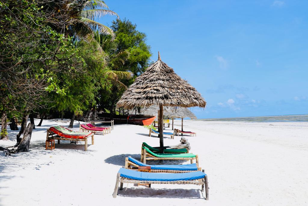 Casual Beach Living – 3* Evergreen Bungalows, Zanzibar