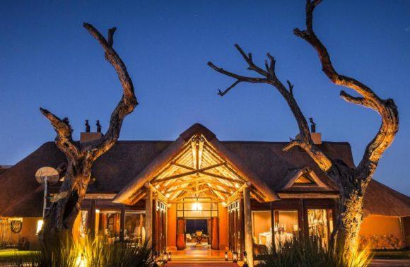 Romance beneath the Stars: Nambiti Hills Private Game Lodge