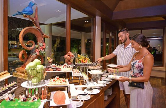 Marvellous Maldives: 10 night Adaaran Select Hudhuran Fushi – All Inclusive